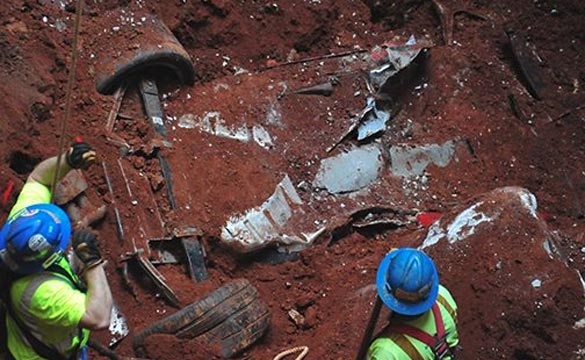 FOUND! The Final Corvette has been Located Inside the Corvette Museum's Sinkhole