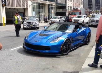 [VIDEO] 2015 Corvette Z06 Convertible Spotted Unloading in New York City