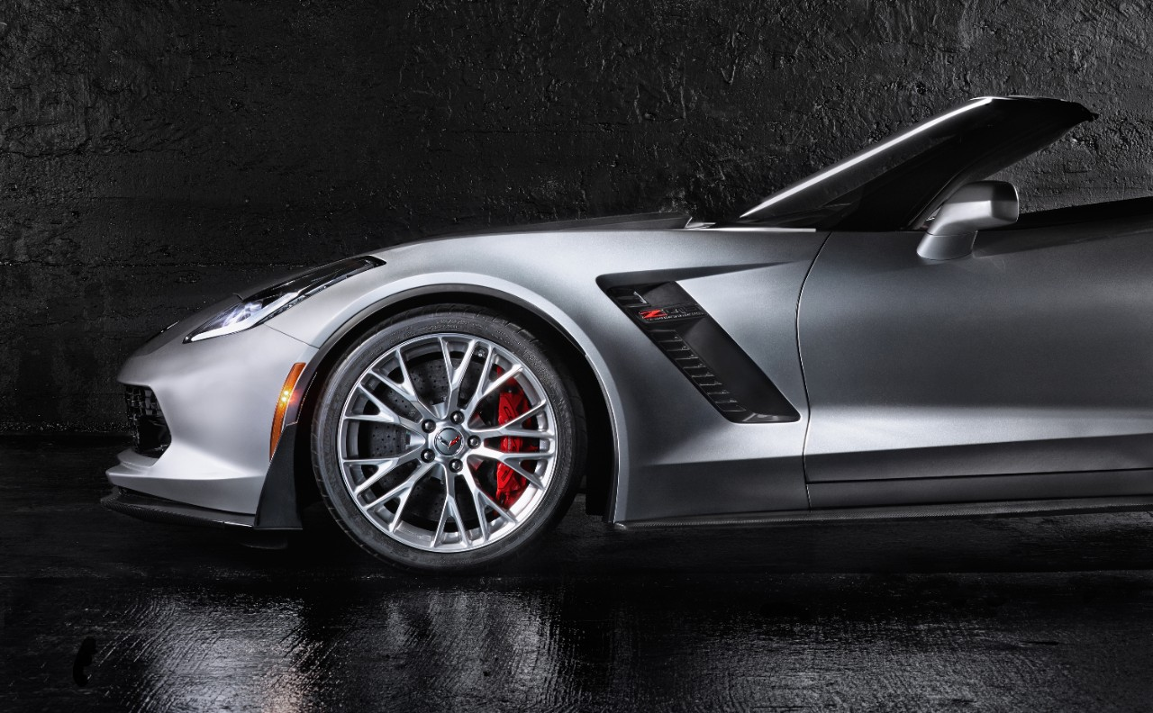 Rochester Student Photographer Wins $5,000 for Best 2015 Corvette Z06 Convertible Photo