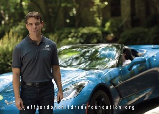 [VIDEO] Jeff Gordon Helps Children Fight Cancer by Raffling His Personal Corvette Stingray