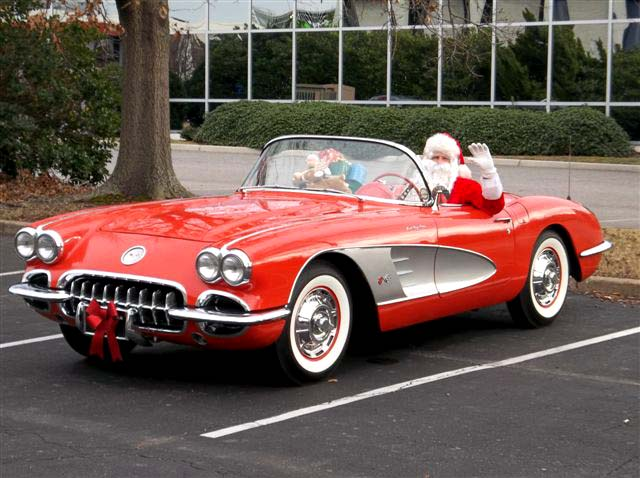 [GALLERY] Merry Christmas from CorvetteBlogger! (12 Photos of Santas in Corvettes)