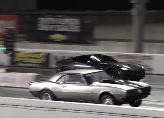 [VIDEO] Supercharged Corvette Stingray vs Old School Camaro in Quarter Mile Drag Race