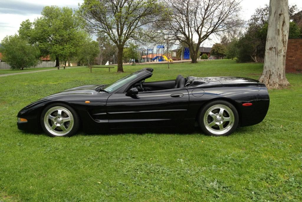 [STOLEN] 1999 Corvette and a Classic Mustang Stolen from Auto Shop in Melbourne, Australia