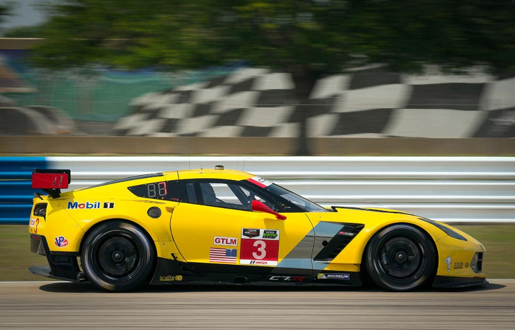 orvette Racing at Sebring: Garcia Qualifies Corvette C7.R Third in GTLM