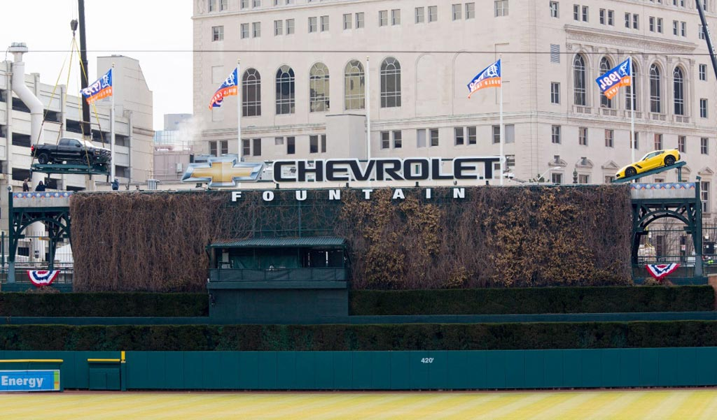 [PIC] Chevrolet Hoists a Corvette Z06 and Silverado Above Detroit's Comerica Park Baseball Field