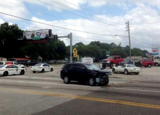 [ACCIDENT] C3 Corvette Gets Hit Head On in 3-Way Crash in Jacksonville