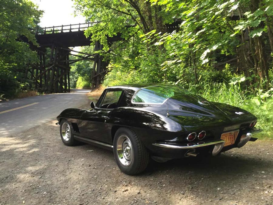 [GALLERY] Midyear Monday (31 Corvette photos)