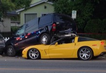 [ACCIDENT] C6 Corvette Gets Under a Minivan in British Columbia