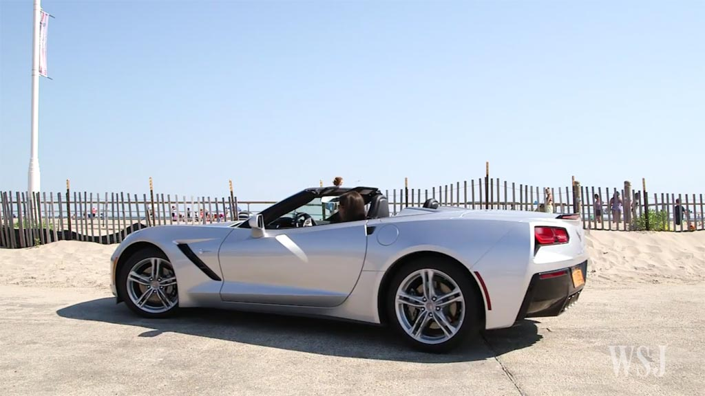 [VIDEO] Wall Street Journal Reporter Tests Apple CarPlay in 2016 Corvette Stingray