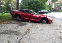 [PIC] Corvette Stingray Has Wheels Stolen in Detroit