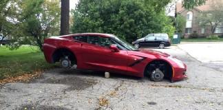 [PIC] Corvette Stingray Has Wheels Stolen in Detroit