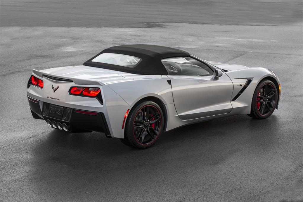 C7 Corvette Body Panels Earn Industry Award