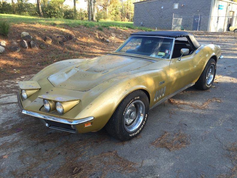 Corvettes On Ebay Barn Find 1969 Corvette Sells For 28 300 Corvette Sales News Lifestyle
