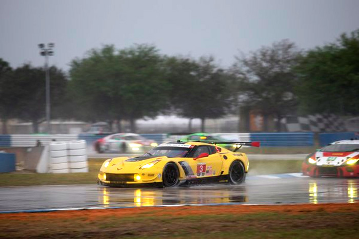Corvette Racing at Sebring: Red Flag Halts Race Near Three-Hour Mark