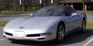 [VIDEO] Regular Car Reviews Drives the C5 Corvette