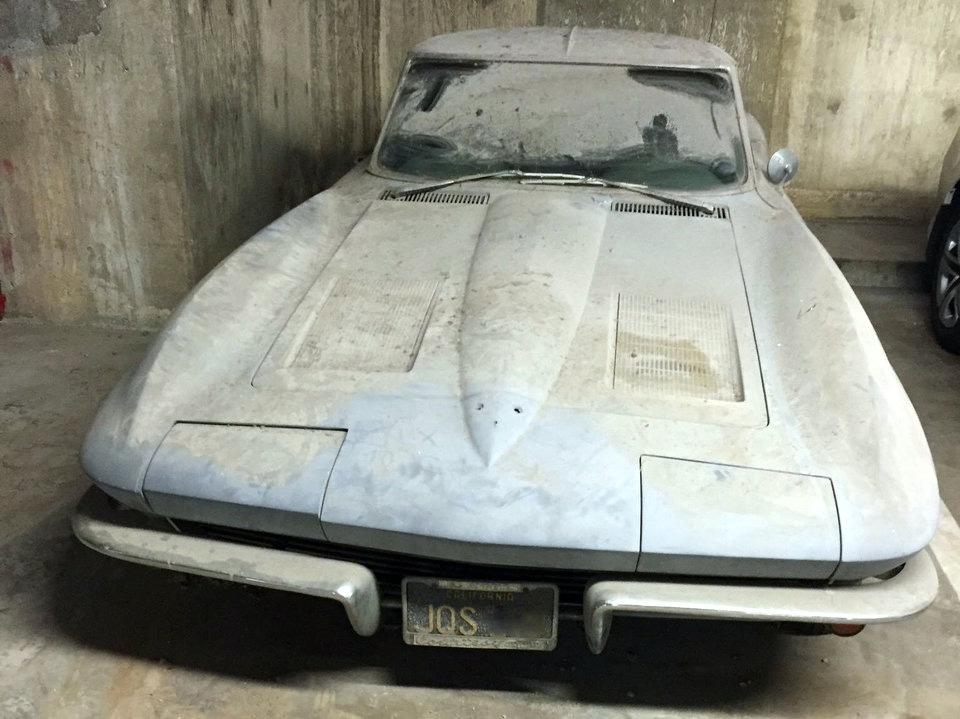 [BARN FIND] 1963 Corvette SWC Wastes Away in L.A. Parking Garage
