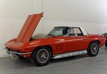 [VIDEO] Two Barn Find Corvettes Sold at Reno's Hot August Nights Auction