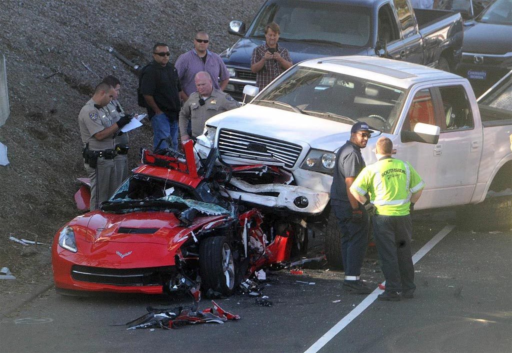 [ACCIDENT] Pickup Truck Lands on Top of a Corvette ...