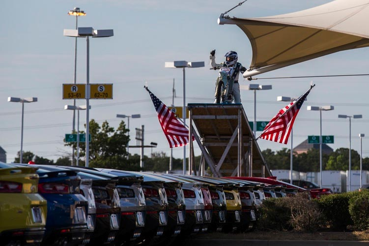 [VIDEO] Robbie Knievel Jumps his Motorcycle Over 18 Corvettes and Camaros - Corvette: Sales, News & Lifestyle