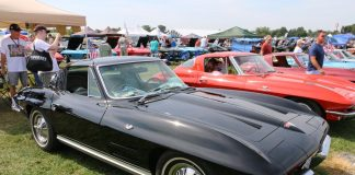 [VIDEO] Black/Silver 1964 Corvette Wins Keith's Choice Award at 2016 Corvettes at Carlisle