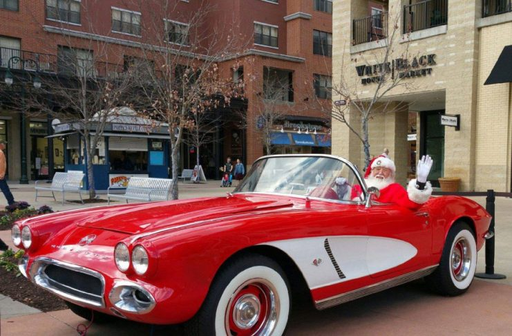 [GALLERY] Santa, Christmas and Corvettes! (43 Corvette Photos)