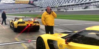 [VIDEO] Corvette C7.R Gets Squirrelly While Leaving Pit Box at the Roar