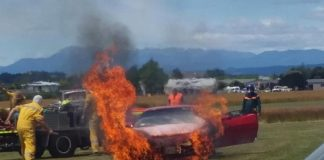 Drag Racing C6 Corvette Catches on Fire in New Zealand