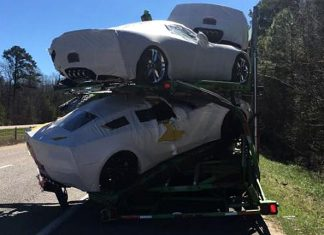 [ACCIDENT] Brand New 2017 Corvettes Damaged in Alabama Transporter Crash