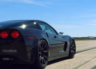[VIDEO] Genovation GXE Corvette Z06 Breaks Standing Mile Record
