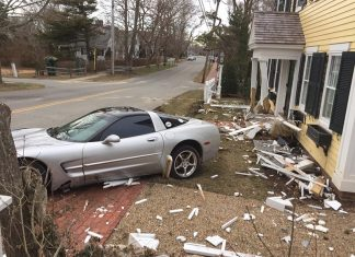 [ACCIDENT] C5 Corvette Crashes into House on Martha's Vineyard