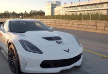 [VIDEO] Ron Fellows Hot Lap of the Canadian Tire Motorsport Park in a Corvette Z06