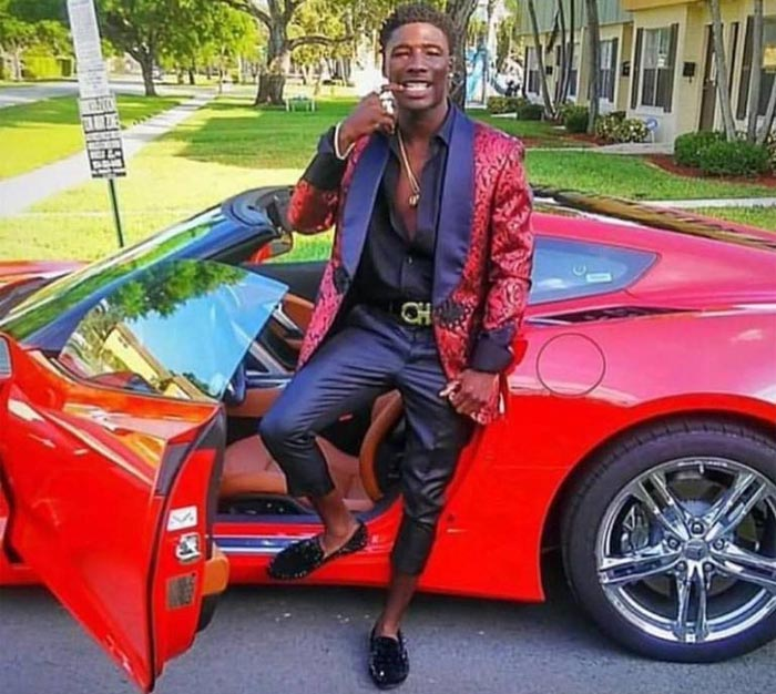 Black girl drive corvette stingray - 1 9