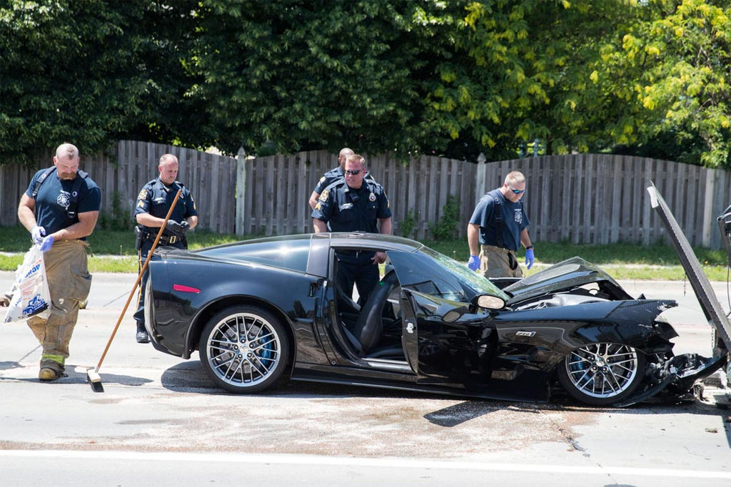 [ACCIDENT] Corvette ZR1 Driver Leads Police on Chase ...
