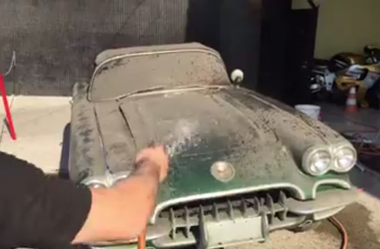 [VIDEO] 1958 Corvette Gets First Bath in 30 Years
