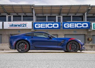 [VIDEO] Corvette Grand Sport Earns Spot on Motor Trend's Best Driver's Car for 2017