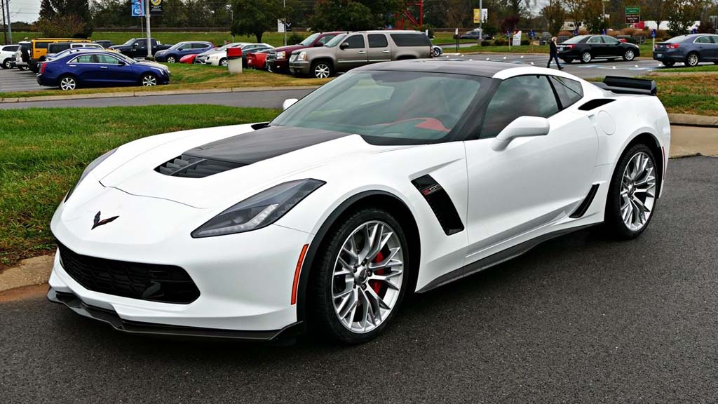 [VIDEO] This 2018 Corvette Z06 was Painted in the Corvette ...