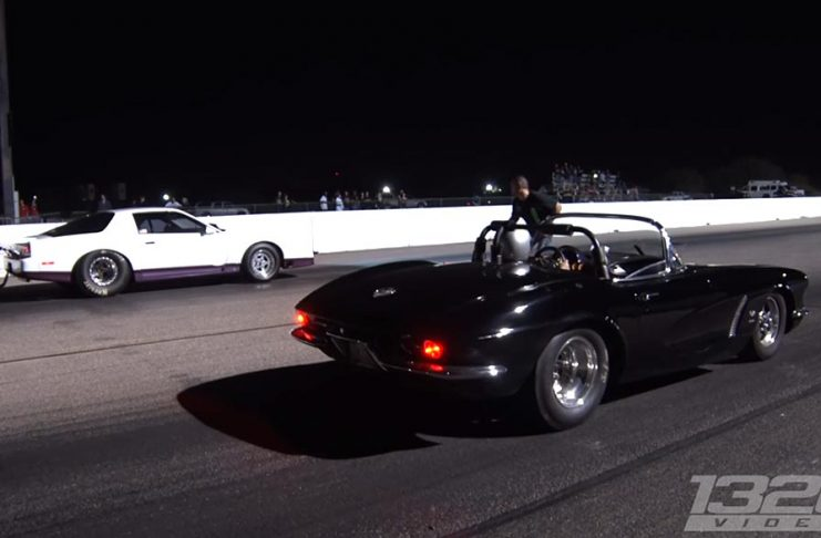 [VIDEO] Old School Corvette OWNS Everybody!