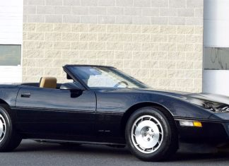 Corvettes on eBay: 6K Mile 1986 Corvette Convertible