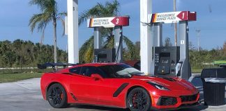[PICS] Two 2019 Corvette ZR1s Running South Florida's Alligator Alley