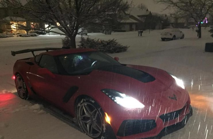 [PIC] Harlan Charles Shares Photo of His 755-hp Corvette ZR1 in the Snow