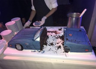 [PIC] Governor Cuomo Celebrates His 60th Birthday with a Cake Resembling His 1975 Corvette
