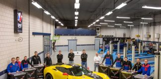 [PICS] European Shop with a Passion for Corvettes Gets Seven SONIC Corvette Racing Toolboxes