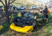 [ACCIDENT] Emergency Workers Free Trapped Driver After a C4 Corvette ZR-1 Rollover Crash