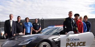 [PIC] La Mesa Police Show Off a C7 Corvette Stingray to High School Automotive Students
