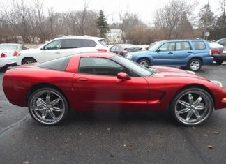 Corvettes for Sale: Roll With Your Peeps in this 2000 Corvette Coupe