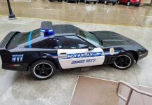 Sioux City Police Officers Restore Department's 1986 DARE Corvette