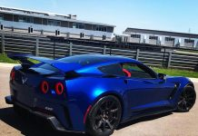 [VIDEO] Genovation GXE Flogs Their Electric C7 Corvette Around the M1 Concourse