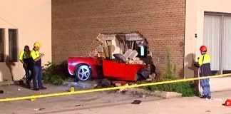 accident-c6-corvette-punches-a-hole-in-a-brick-building-in-chicago-suburb-of-skokie