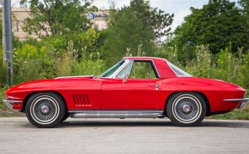 Private Collection Offering Nine Corvettes from 1962-1970 at Mecum Chicago
