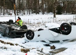 [ACCIDENT] Emergency Workers in Sweden Flip Over a C7 Corvette Z06 Following a Transporter Crash